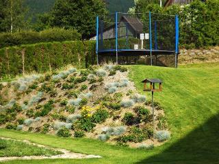 Zahrada, trampolína